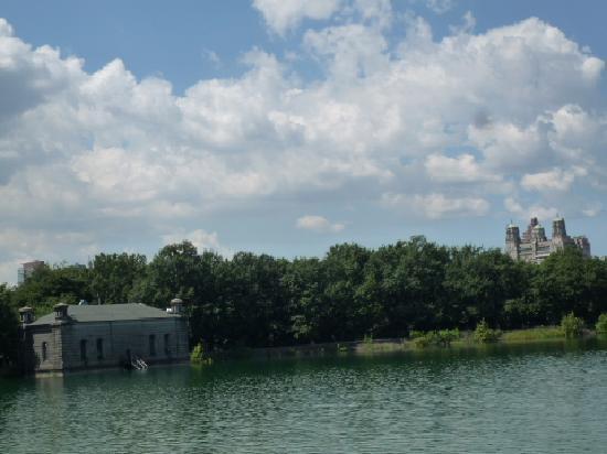 เซ็นทรัลปาร์ค: レイク沿いの景色。