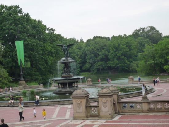 เซ็นทรัลปาร์ค: 噴水の周辺の雰囲気も好きです。