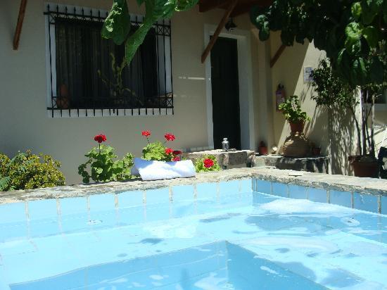 Villa Polichna: Terrace and soaking pool