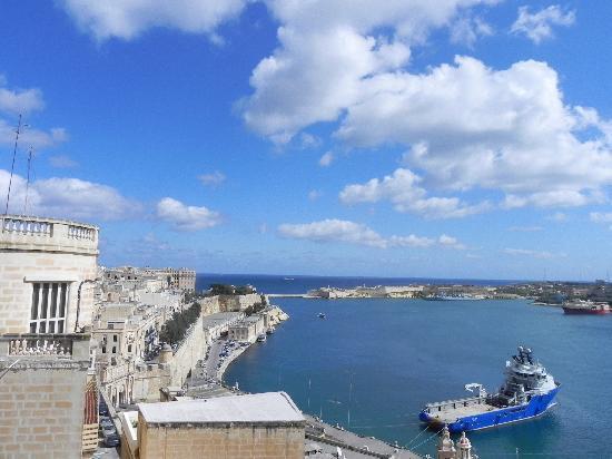 Hotel Fortina: Grand Harbour, Valetta.