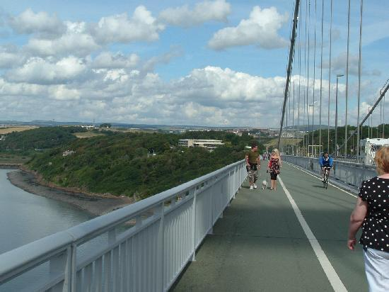 DoubleTree by Hilton Edinburgh - Queensferry Crossing: Hotel Viewed from The Forth Road Bridge