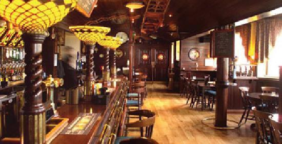 Moorings Hotel : The bar bistro