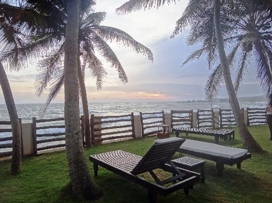 Coconut Bay Beach Resort: Sunset Area rooms 301 to 305