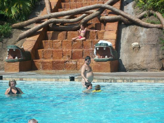 Disney's Coronado Springs Resort: Mayan pool