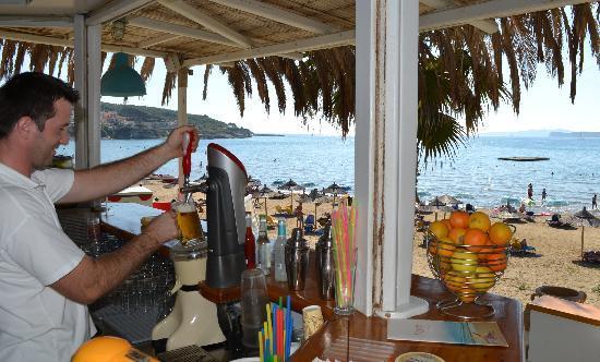 Delfino Blu Boutique Hotel: Beach bar