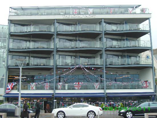 Royal Yacht Hotel: Front of Hotel