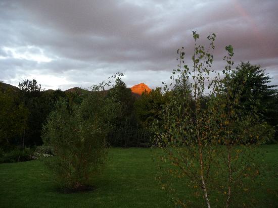 Millpond House: zonsondergang Drakensbergen