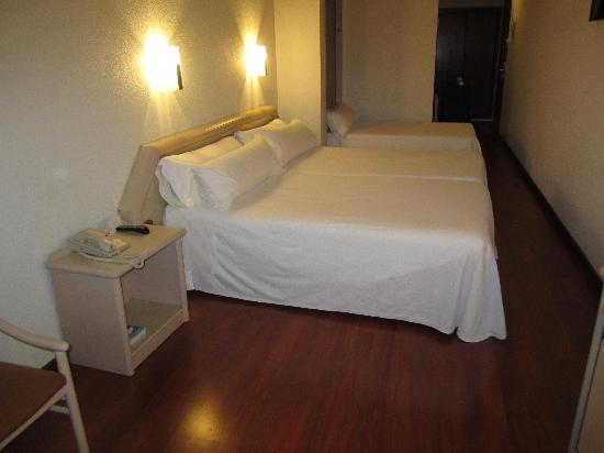 โรงแรมเลโอ: Room 308