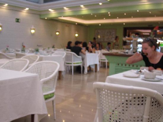 โรงแรมเลโอ: Breakfast Room