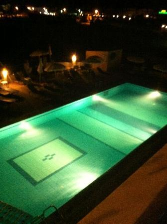 Smartline Mimosa: One of the pools at night