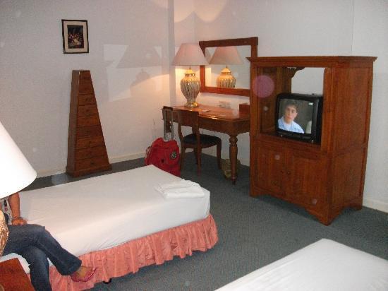 D Anggerek Service Apartment: vanity