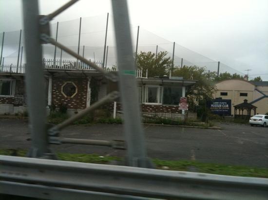 Days Inn Ridgefield NJ : view from highway