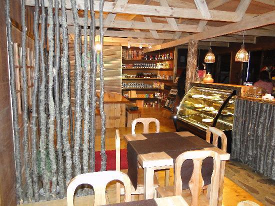 Hostal Amerindia Patagonia: the coffee shop