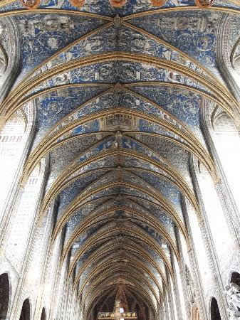Cathedrale Sainte-Cecile: PAINTED CEILING