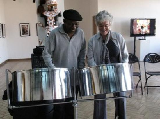 Inside Out Tours: Steel Drum lesson