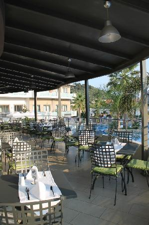 The Lesante Luxury Hotel & Spa: Outdoor part of the Ambrosio restaurant