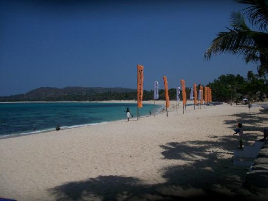 Villa Del Mar Ivory Beach Resort: clean beach