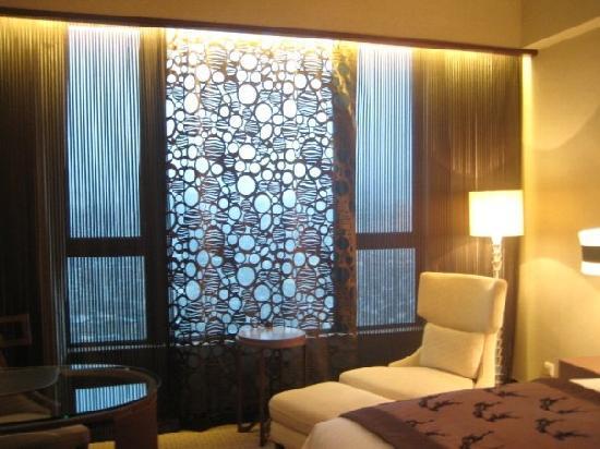 โรงแรมโซฟิเทล มาเก๊า แอท ปงต์ 16: Love the curtains