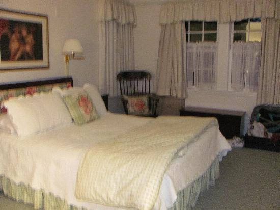 North Bridge Inn: Longfellow Bedroom