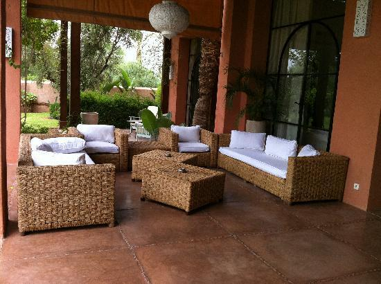 le salon exterieur photo de villa jardin nomade marrakech tripadvisor. Black Bedroom Furniture Sets. Home Design Ideas
