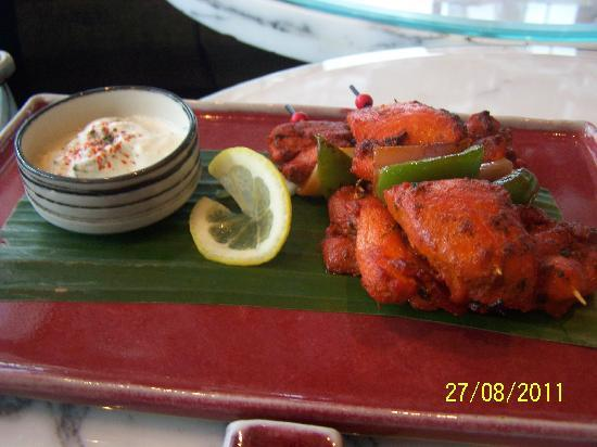 Ozone Bar: Tandoori chicken