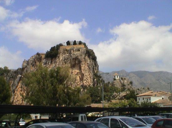 Guadalest Monastery: Guadalest from below