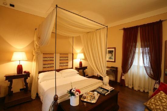 Park Hotel Ai Cappuccini: camera superior del chiostro/superior cloister room