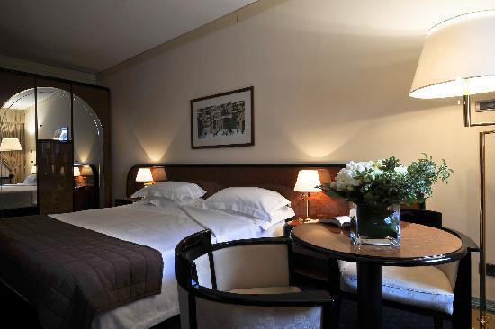 Camera stile contemporaneo\contempoarry style room   picture of ...