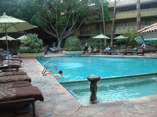 Pointe Hilton Squaw Peak Resort: pool outside our room