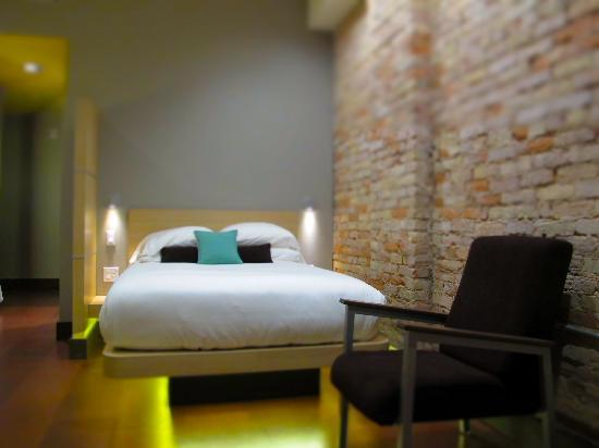 CityFlatsHotel: Single Queen Guestroom