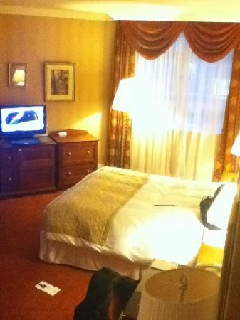 Chamberlain Hotel: Room 211