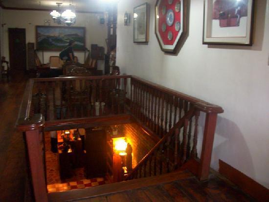 Grandpa's Inn: Stairway