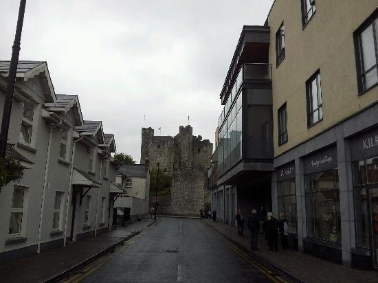 Trim Castle Hotel: so close to the castle!