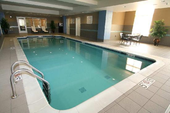 Hilton Garden Inn Toledo Perrysburg: Pool
