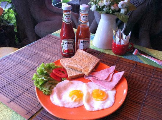 Coffee Old City: Simple Breakfast