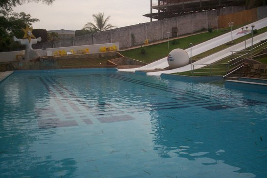 Hotel CTC: Piscina de rampa de escorrega (agua quente)