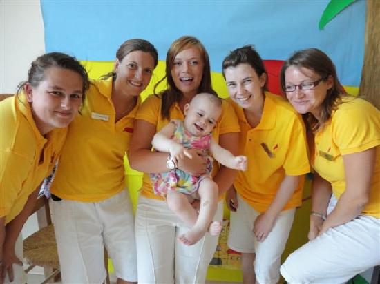 Daios Cove Luxury Resort & Villas: WWkids Co team