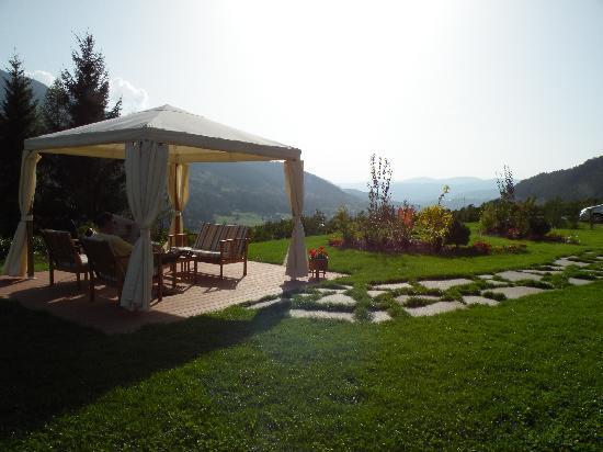 Albergo Garni Fonte dei veli: giardino