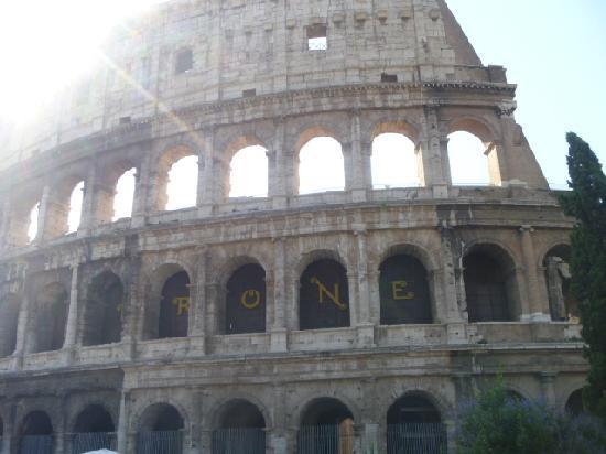 Access Italy Tours: COLOSSEUM--Door to Door Service