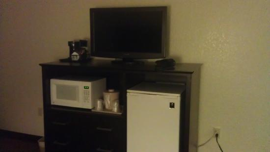 International Palms Resort & Conference Center: T.v., Fridge, Coffee maker, and microwave