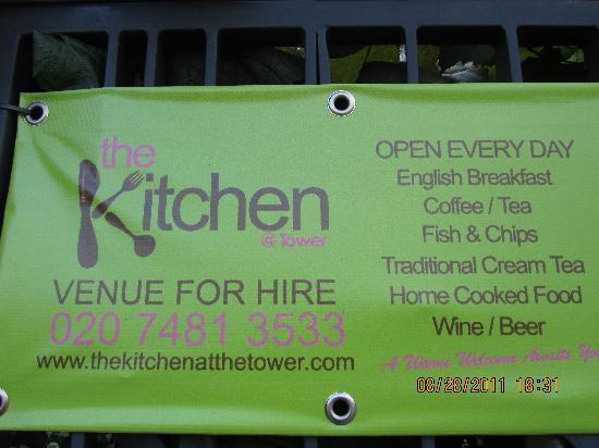 The Kitchen at Tower: Couleur vive et attirante pour ce resto.