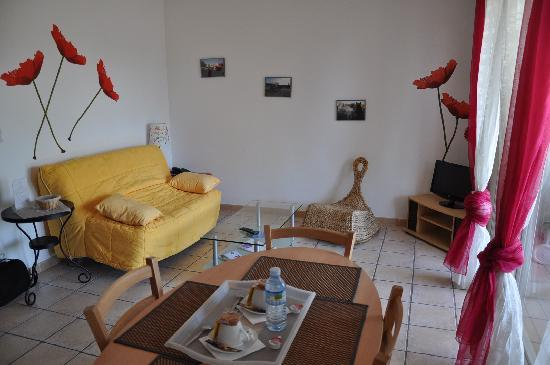 Hotel et Residence de la Transhumance: Wohnraum