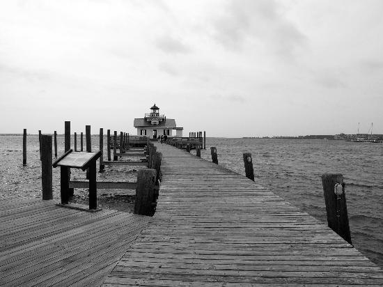 Nags Head Beach Inn: Roanoke across the bay