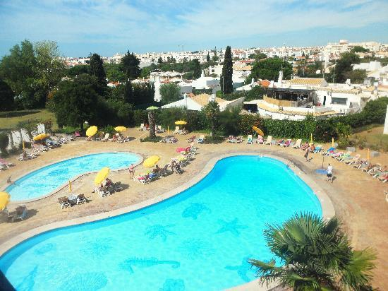 Hotel da Aldeia: View from balcony - Pool area (mini golf and tennis to the left of the picture)