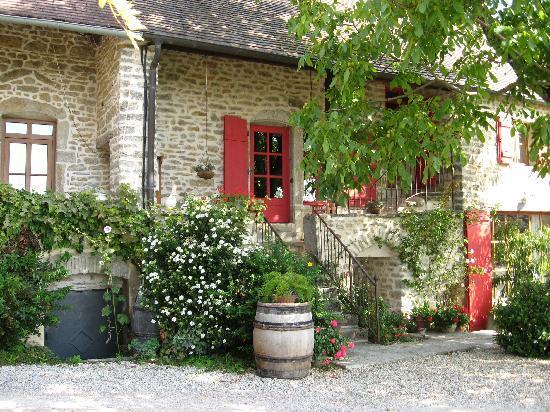 Saint-Sernin-du-Plain, France: Great look and cozy.