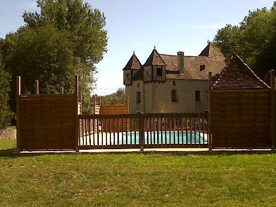 Moulin de la Garrigue: Vue depuis la piscine