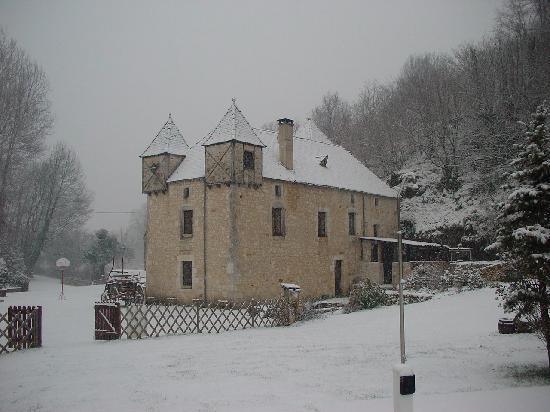 Moulin de la Garrigue: Le moulin sous la neige