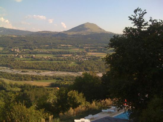 Les Chemins Verts: A different view from our room