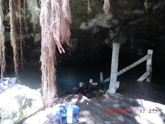 Pro Dive Mexico: Buceo en Cenote dos Ojos