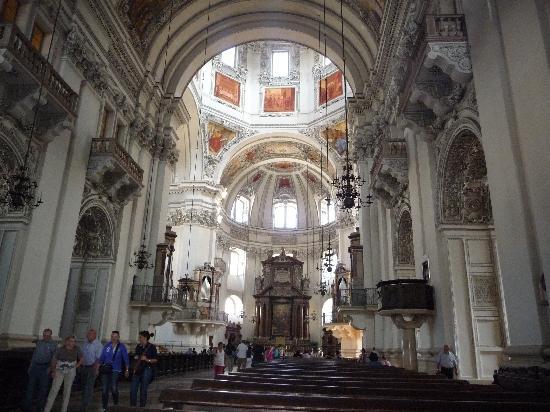 La Cisterna Hotel: Inside the Collegiate Church